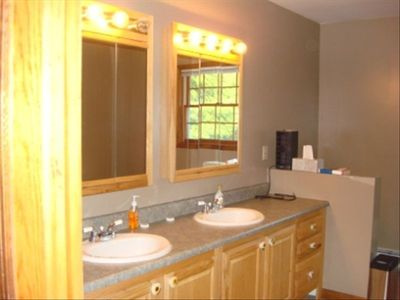 Catskill house rental - Master bath with double sink/vanity