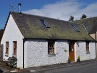 Scotland - cosy cottage in pretty village and beautiful countryside - great value