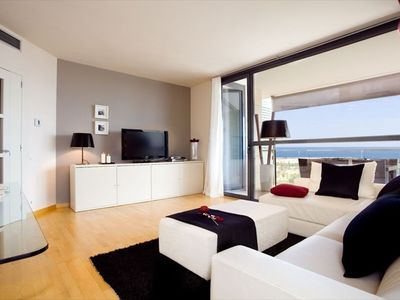 Forum Diagonal Mar apartment rental - Living room and Big sun terrace with nice sea views
