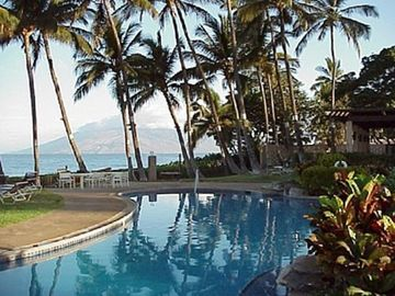 Wailea condo rental - Pool & Pavilion Next to the Ocean: 3 minute lush tropical grass walk to beach