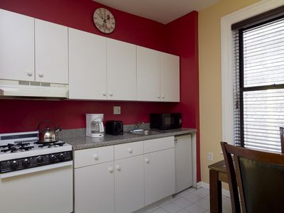 8214D - 1 Bed - Bright White Kitchen