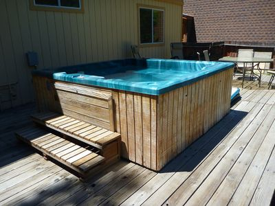 Al Tahoe cabin rental - 8-person hot-tub