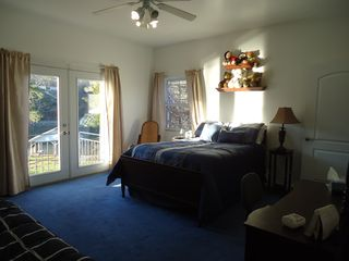 Hot Springs house photo - Princess room, has its own bathroom, double bed & double futon.