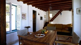 Hydra Island villa photo - Diningroom with sofabed