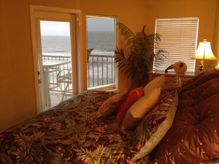 Gulf Shores condo photo - Bedroom with a great wake up view, I need coffee. This is great!!