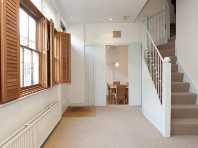 Lovely three bed, two bathroom mews house in affluent South Kensington