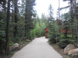 Circular driveway leading to detached Garage and Home - Nederland lodge vacation rental photo