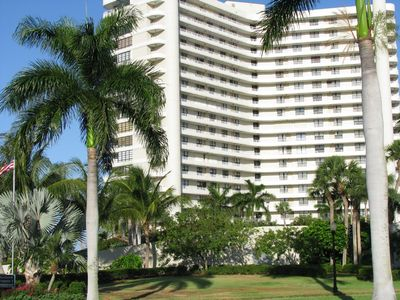 Totally remodeled beachfront condo, southwest exposure, WIFI, 2 king beds!