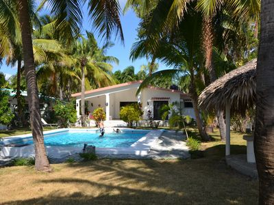 Dream of a holiday house with direct access to the Caribbean Sea!