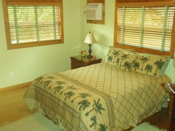 QUEEN BED GUESTROOM, TOMMY BAHAMA FURNITURE