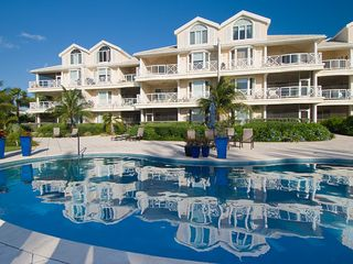 Providenciales - Provo condo photo - Exterior view of the Grandview