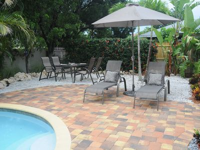 Fort Myers house rental - enjoy lunch or dinner poolside