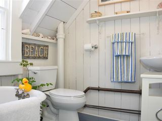 Upstairs Bath - Oak Bluffs house vacation rental photo
