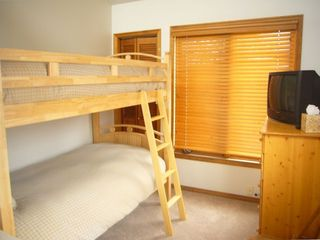 Lower level condo ~ Bunk room (2 twins)