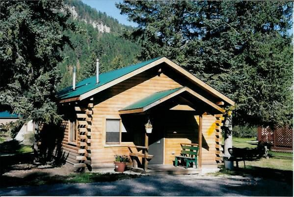 Log Hut At Wickiup Cabins There Is A Cabin Size For Every