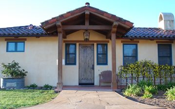 Santa Ynez cottage rental - Front Entrance