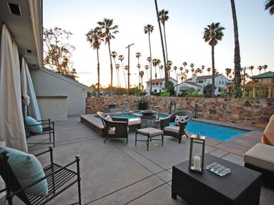 Long Beach house rental - Wonderful poolside living space.
