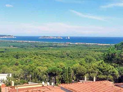 6-7 persons, close to beach, large pool, large terrace, panoramic sea views