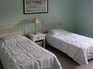 Downstairs Twin Bedroom - Montauk house vacation rental photo