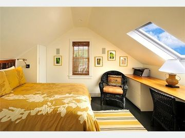 Upstairs 3rd Bedroom: Queen bed & home office.