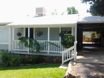Mariposa house rental - Long driveway & covered carport for plenty of parking. Lovely deck in backyard.