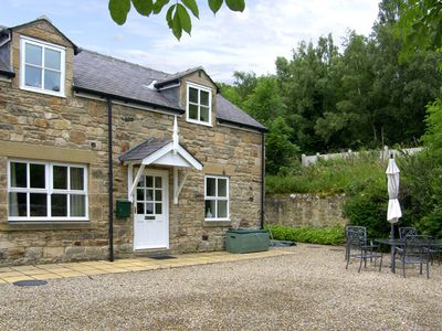 NORTH TYNE COTTAGE, pet friendly, with a garden in Warden, Ref 1060