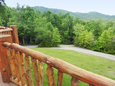 Black Mountain cabin rental - Not often found at this elevation is a large yard for the kids to enjoy