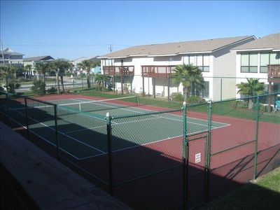 Balcony overlooks Tennis Court