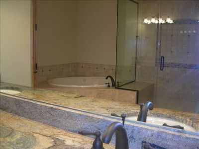Each of 5 suites has master bath amenities