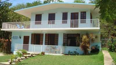 .Barefoot Guest House - 3 bedroom rental usptairs