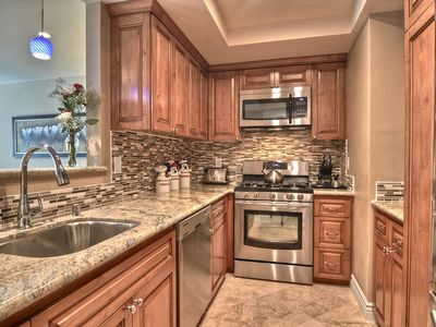 A Chef's Delight! Fully Furnished and ALL NEW Kitchen!