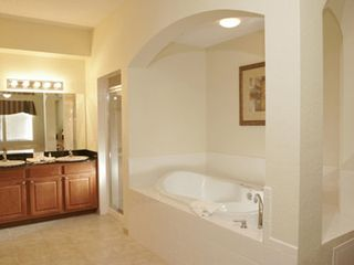 Lake Buena Vista condo photo - Ensuite bathroom with Jets jacuzzi, separte shower, double sinks.