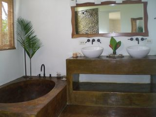 San Juan del Sur villa photo - Downstairs master bath