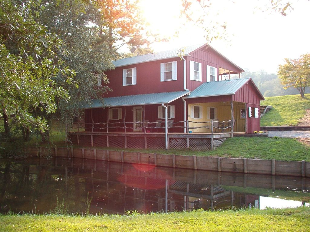Brevard vacation rental vrbo 145978 2 br smoky for Smoky mountain cabins with fishing ponds