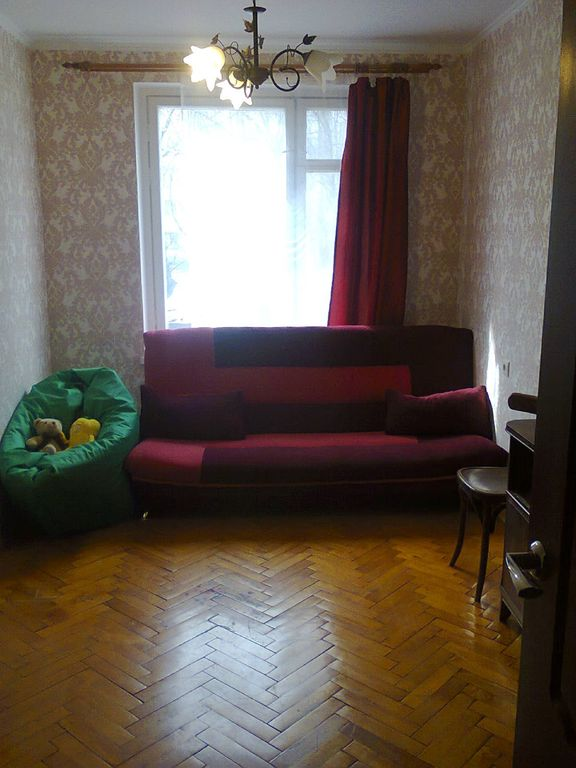 A quiet room in 2 room flat on Vykhino
