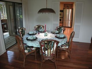 Amelia Island house photo - The dining room seats 6. Eat drink and be merry!