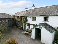 HIGH ARNSIDE, family friendly, with a garden in Coniston, Ref 10732