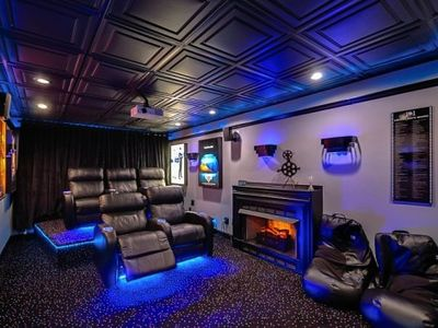 UNBELIEVEABLE theater room, popcorn machine, power recliners.
