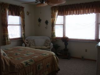 Sunrise Beach house photo - Bedroom 2
