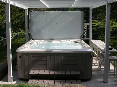 Hot Tub for Relaxation with View of Hebgen Lake