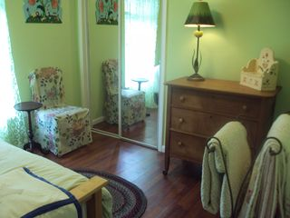 Mount Dora cottage photo - The Ivy Room (two twin beds--trundle)