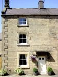 STONEHEATH COTTAGE, pet friendly, with a garden in Winster, Ref 2558