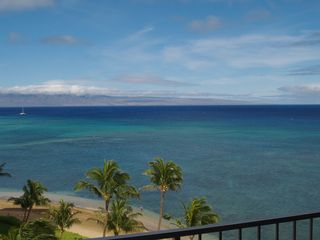 Kahana condo photo - The white sand of Kahana Beach