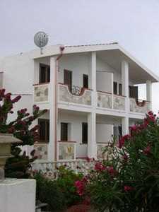 Air-conditioned house, with garden, 90 square meters
