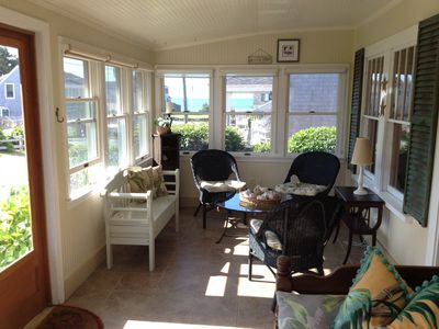 Enclosed front porch w/ocean views