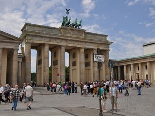 Berlin-Mitte apartment photo - Famous Brandenburger Tor (Brandenburg Gate)
