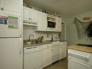 Gulf Shores condo photo - Fully equipped kitchenette