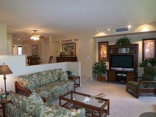 Kaanapali condo photo - Spacious living room with entertainment center