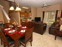 PREMIUM HOME! Free Wireless Internet, Flat Screen TV's, Comfortably Sleeps 8