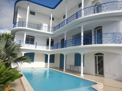 A Grand Gaube, 650 m from the sea, luxury apartment with pool and air conditioning